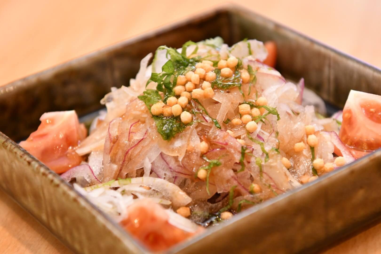 新玉葱サラダ - 札幌 居酒屋道